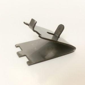 Крепеж металлический для полок